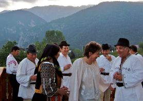 Transylvania, party, dancing, traditional music, Transylvanian costume, Piatra Craiului, Magura