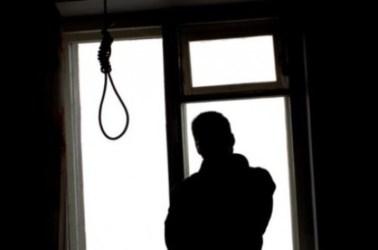uomo_suicidio