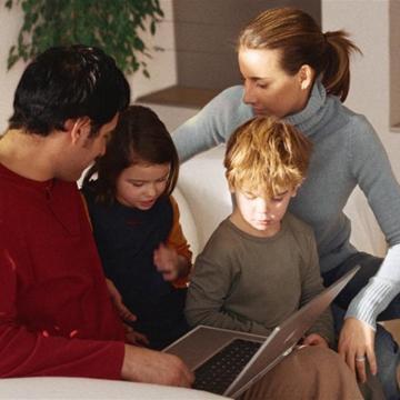 La famiglia non è un'ideologia. Vivrà