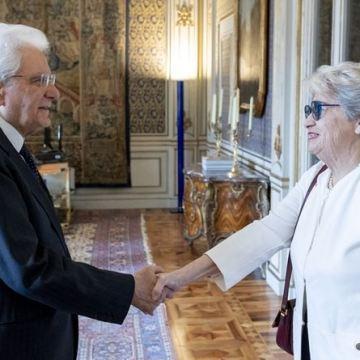 Mattarella riceve le centraliniste di Ro$a No$tra
