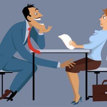 Ricatti femminili sul lavoro: pronto il DDL per legalizzarli