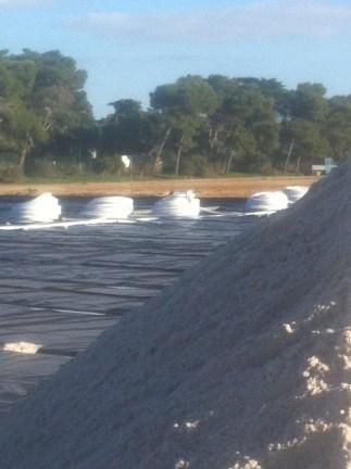 Sanden får vänta tills alla rören är på plats