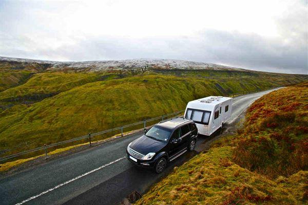 In onze caravanstalling staat uw voertuig veilig en droog te wachten op het volgende avontuur.