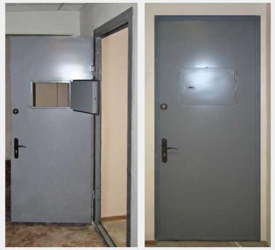 дверь железная с окном раздачи под заказ