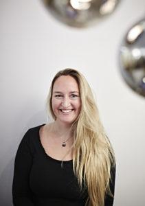 Bilde av Kristin Johansen, daglig leder ved Oslo-salongen.