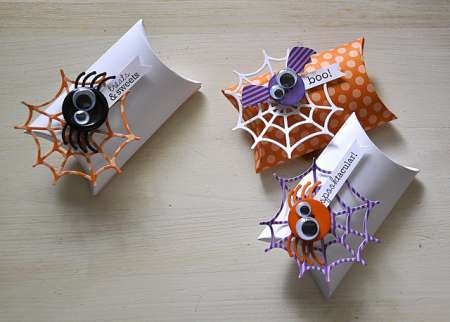 Tip: Halloween Button Accents
