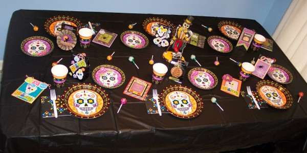 Review: Halloween Party Decor and Crafts from Oriental Trading ...
