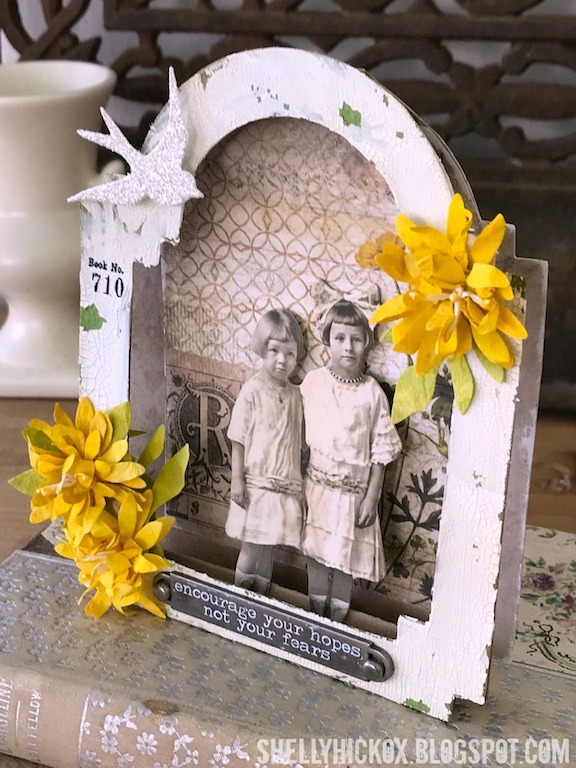 Project: Mixed Media Arch Card