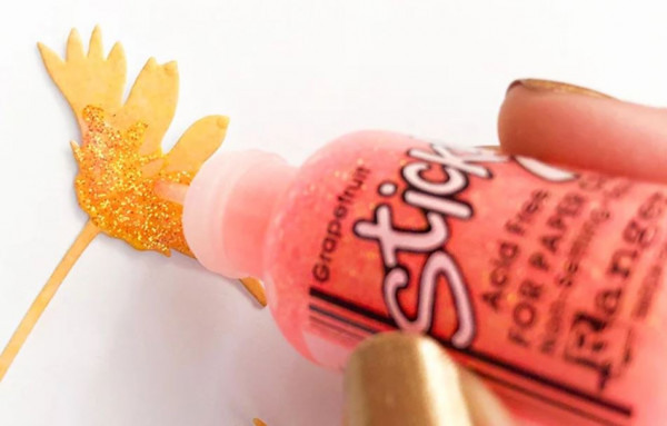 10 Ways to Use Stickles & Nuvo Drops on Cards