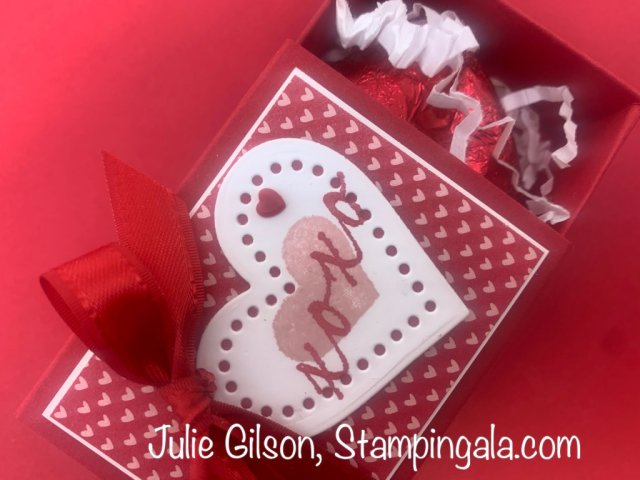 Greeting cards & treat holder created for Facebook Live using Stampin' Up's Hearts & Kisses Bundle.  #Stampin' Up, #Stampin' Gala, #Valentine's Card, #3D