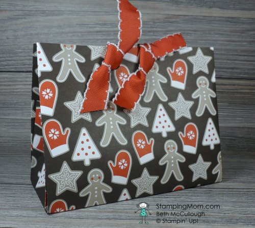 Stampin Up Candy Cane Lane Gift Bag designed by demo Beth McCullough. Please see more card and gift ideas at www.StampingMom.com #StampingMom