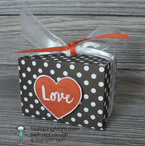 Stampin Up Valentine Mini Ghirardelli Box using the January 2017 Paper Pumpkin stamp set designed by demo Beth McCullough. Please see more card and gift ideas at www.StampingMom.com #StampingMom#cute&simple4u #GDP071 #paperpumpkinalternative