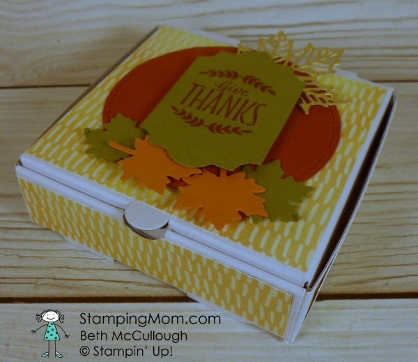 Stampin Up Thanksgivng mini pizza box designed by demo Beth McCullough. Please see more card and gift ideas at www.StampingMom.com #StampingMom #cute&simple4u