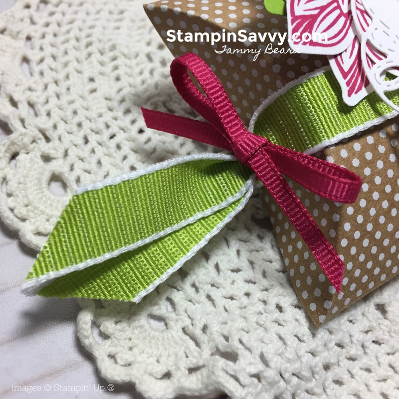 creative ways to present gift cards, pop of petals, stitched all around, kraft pillow box, stampin up, stampinup, stampin savvy, tammy beard 3