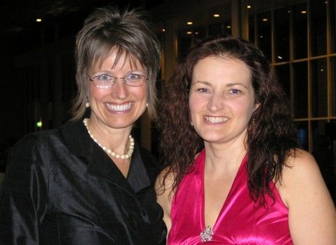 Shelli Gardner and I looking fabulous at Convention '09.