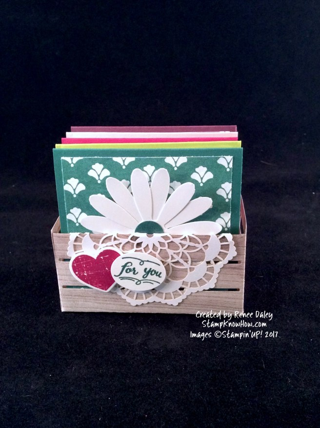 Image of Daisy Card Set in paper wooden crate