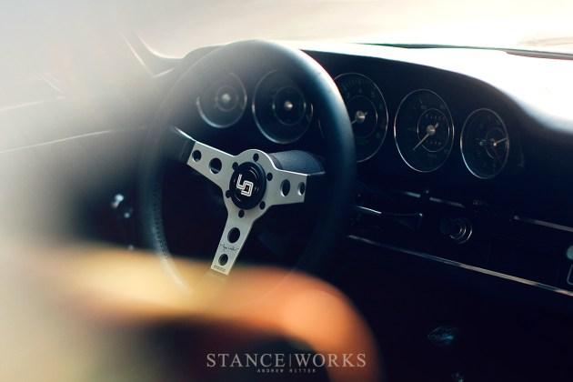 Magnus Walker MOMO Steering wheel urban outlaw (4)