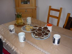 E vremea pentru ceai si briose de post / Time for tea and vegan muffins