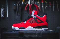 air-jordan-4-retro-fire-red-cement-grey-toro-bravo-2