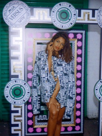 versus_versace_x_m_106451989_north_499x_white
