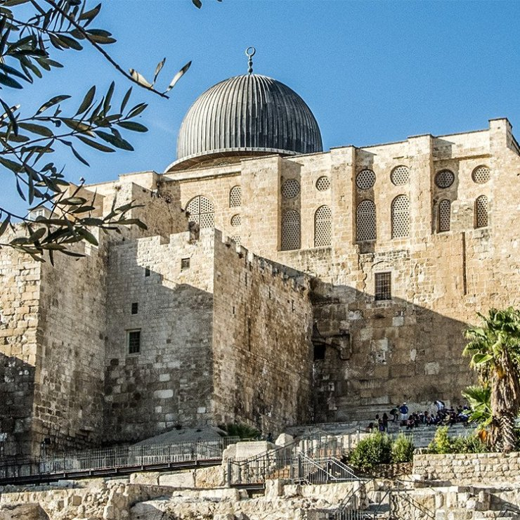 el aqsa mosque looming over southern steps, old city, Jerusalem
