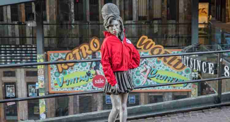 London's iconic statues are wrapped up in red coats for Wrap up London