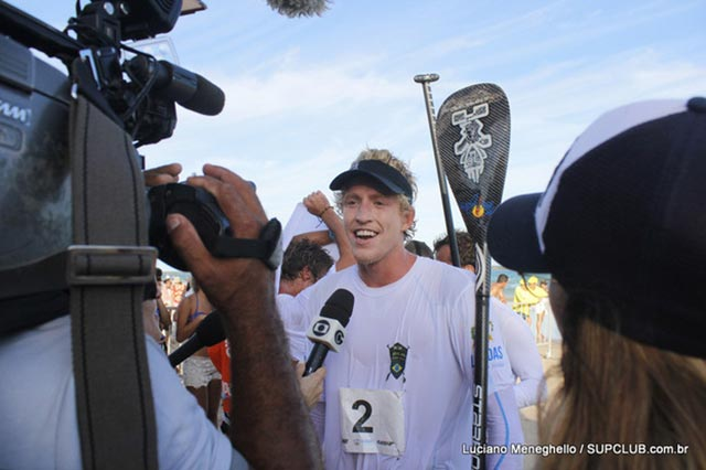Connor Baxter secures the 2014 World Series Racing Title after an epic year