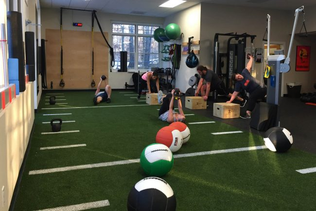 Muv Strong choosing a fitness facility group class