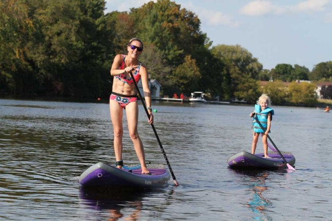 Jodi and daughter Sup Yoga Starboard1080