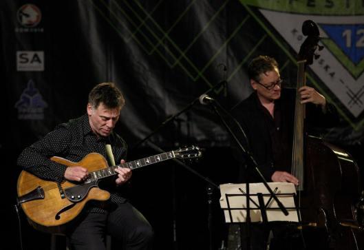 Peter Bernstein - gitarist and MOSTLY MONK TRIO