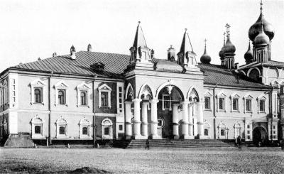 Манастир Чудов унутар Кремља. Бољшевици су га уништили, сада ће бити обновљен