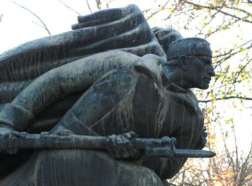 Детаљ са споменика из 1930-их