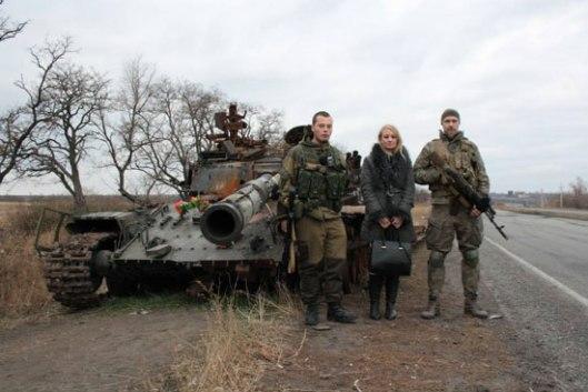 Уништени тенк у селу Хрушјавата, Драгана Трифковић са војницима из јединице Русич