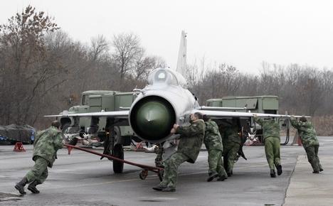 Мигови 21 нису летели због недостатка резервних делова (Фото З. Анастасијевић)