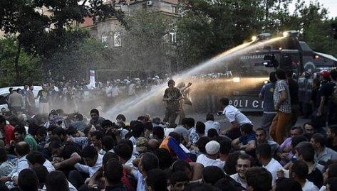 jermenijaprotest01