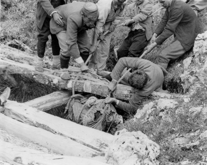 Драган Мијовић: Убиства стотина свештеника после Другог свјетског рата заувијек неразјашњена