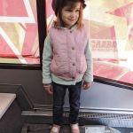 Сейчас эта 300-килограммовая фугаска — музейный экспонат. Родителям не возбраняется ставить своих малышей ради фото на память