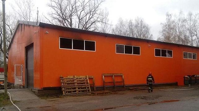 На заводе в Станьково горело производственное здание