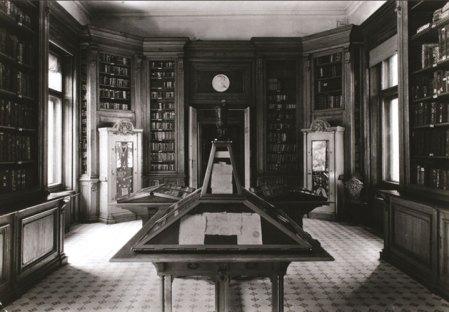 Нумизматическая выставка, состояние ок. 1939.