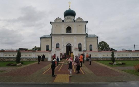 В Станьково торжественно отпраздновали 10-летие воссоздания прихода храма святителя Николая Чудотворца