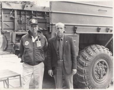 """Станьково, парк 189 рбр. ПУ 9П71 РК """"Ока"""", после демонтажа. На фото наш полковник ~ Медведев из ГШ и американский генерал Ла Джой - начальник инспекции с их стороны. Генерал ЦРУ."""