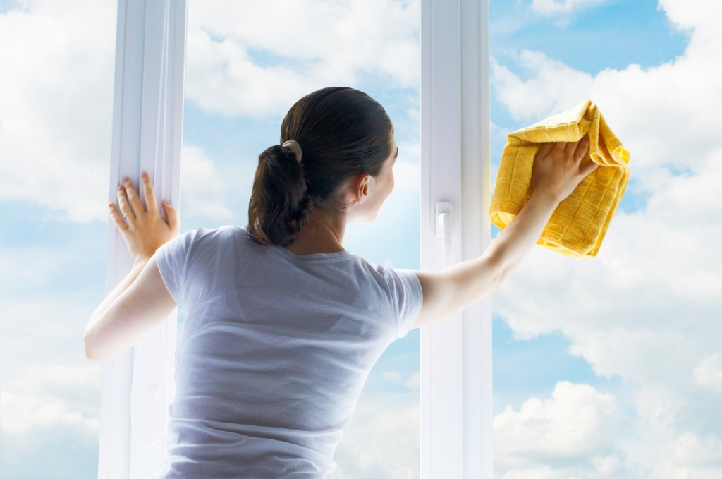 how-to-clean-mirrors-and-windows
