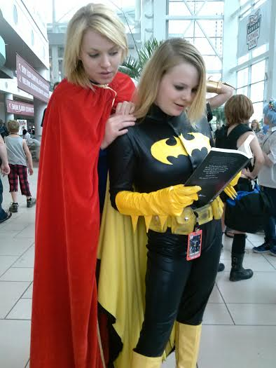 Batgirl_and_Supergirl