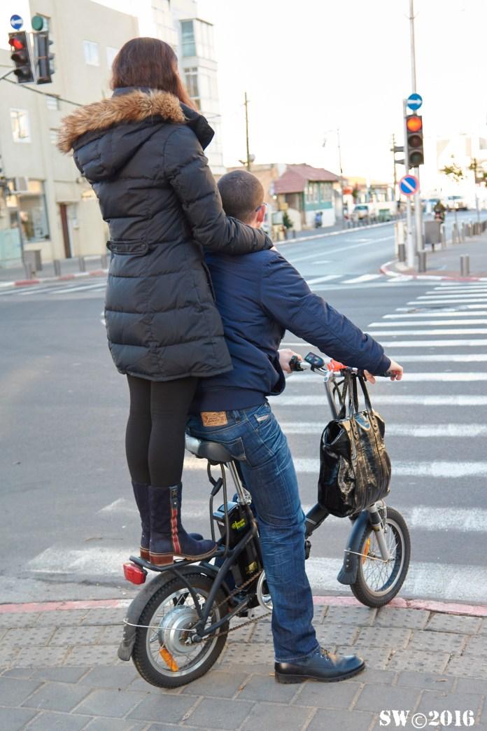 Couple Yordei HaSira.jpg