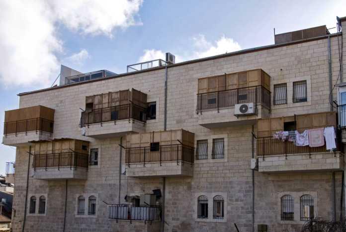 Succah balconies