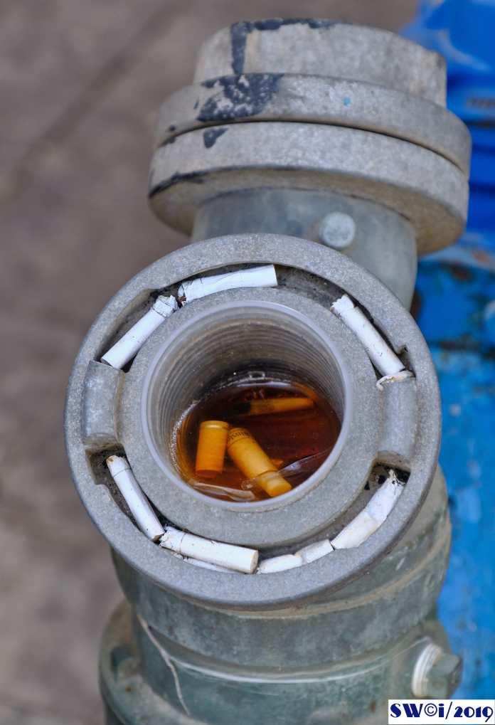 Fag-end hydrant.jpg