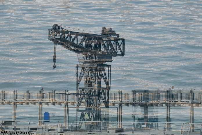 Crane, T-A Port