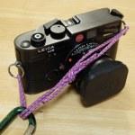 ストラップを改造してカメラをザックに吊る方法