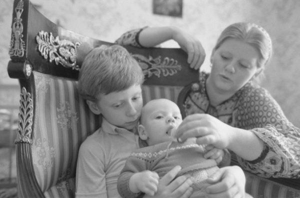 Ирина Муравьева с сыновьями