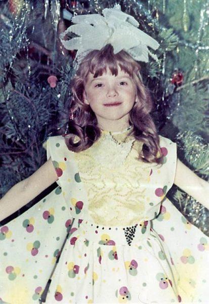 Елена Темникова в детстве. Фото